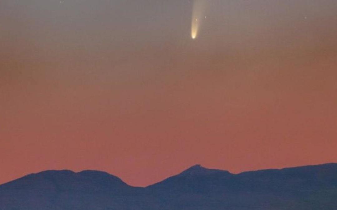 Kometen Neowise kan ses under helgen med blotta ögat