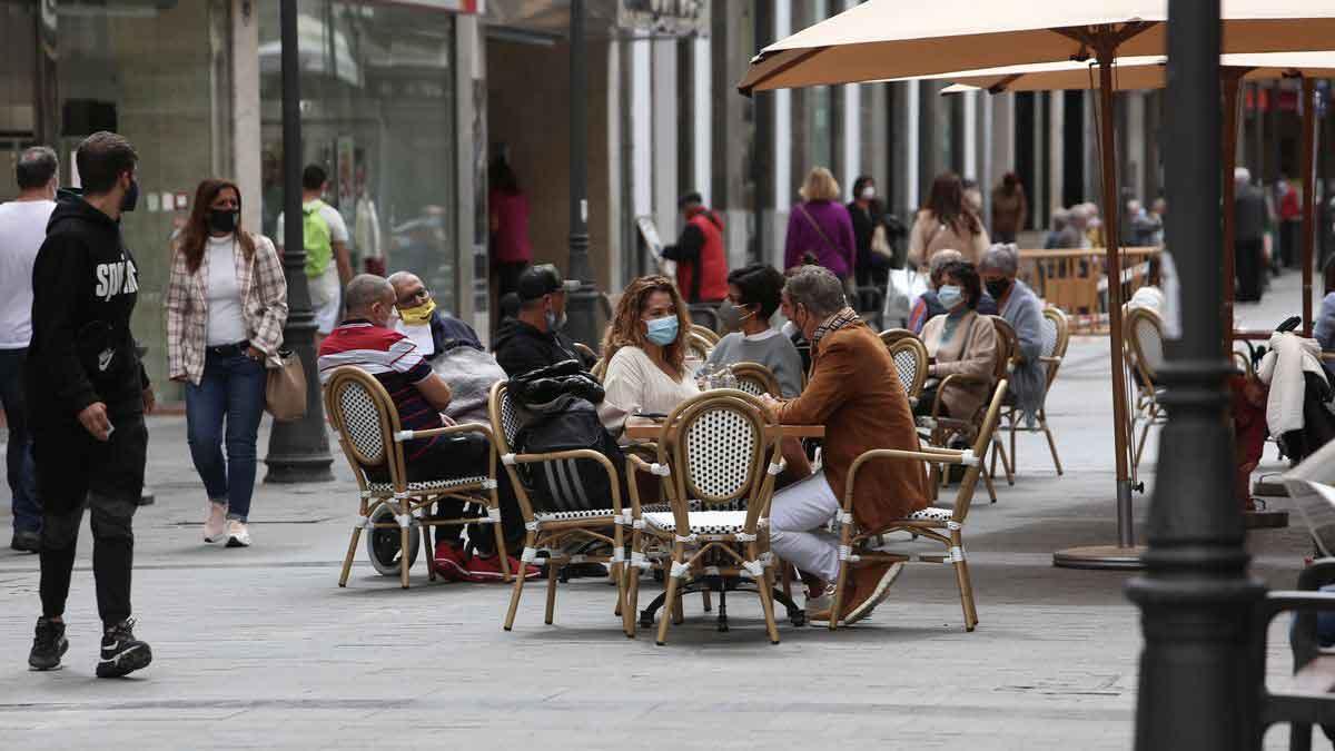Terrass bord med kunder