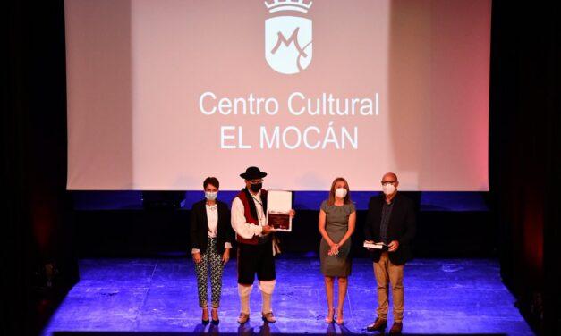 Mogan öppnar kulturellt center…