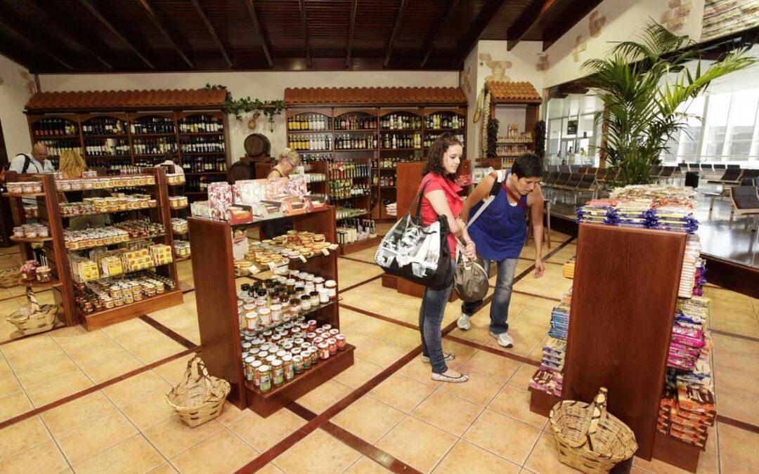 Få butiker öppna på flygplatserna…