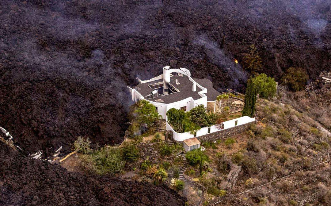 Vulkanen kan fortsette å sprute ut lava helt til november