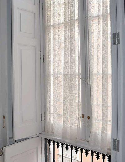 Höga fönster
