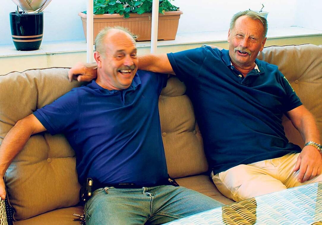 Två grabbar som trivs…